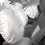 За рулём авто спасёт подушка безопасности.